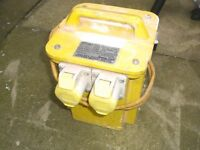 TRANSFORMER 3,3KVA TWIN SOCKETS.*FULLY WORKING*