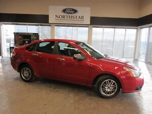 2011 Ford Focus SE **Heated Seats, LOW KMS**