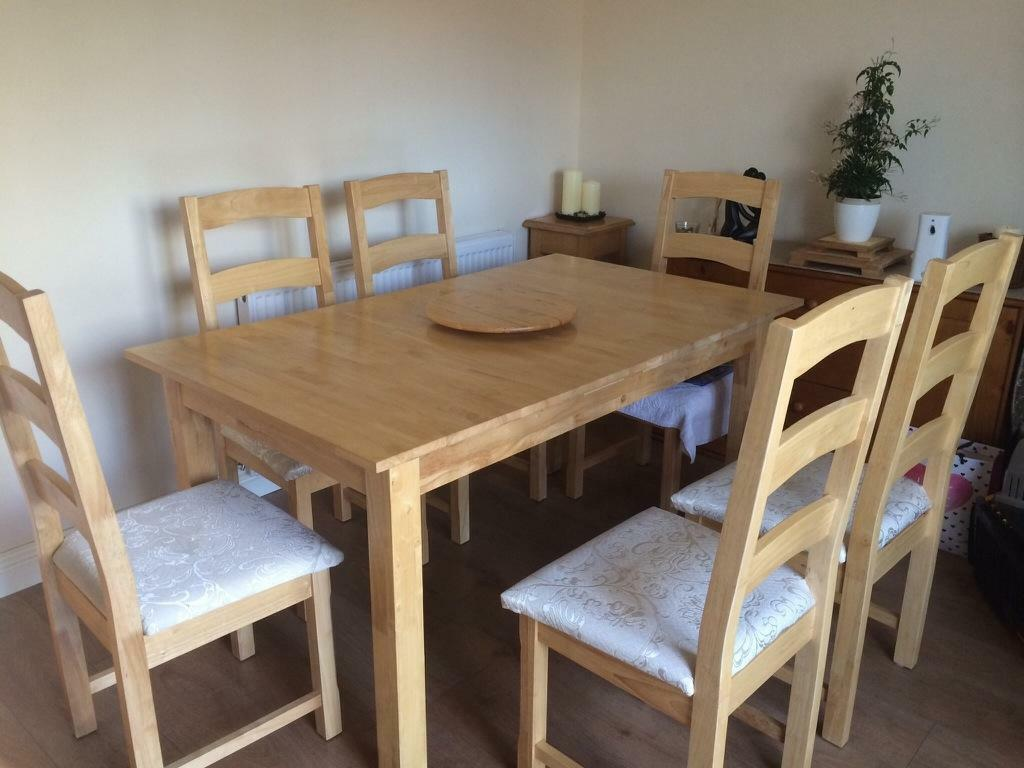 pine extendable table and 6 chairs in churchdown gloucestershire