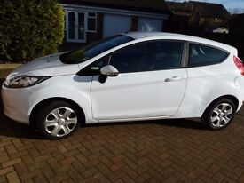 Ford Fiesta Edge 60 2011, manual, white 2 door.48500 miles