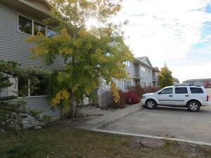 SPACIOUS TOWNHOME ONLY $199.00 DEPOSIT  587-343-6260