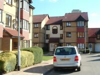 BRAND NEW KITCHEN & BATHROOM! 1 bed flat in the popular Sterling gardens, nr transport (zone 2)