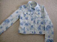 Gap Denim Jacket with flower design - suit girl age 8 - 10 years