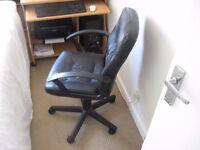 Black adjustable Office chair