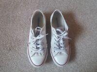 white converse size 5 1/2