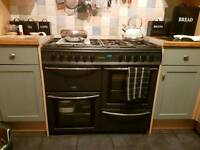 8 Burner gas cooker 2 ovens and a grill