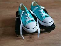 Converse size 8