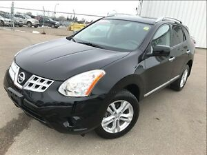 2013 Nissan Rogue SV - Heated seats , alloys plu