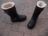 genuine black leather australia uggs as new no marks size 5 .5 cant wear due to health promblems