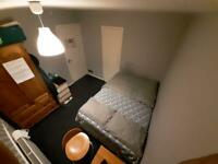 Double bedroom to let at Kingston Upon Thames