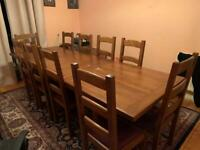 Dining room table in great condition