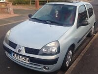 Renault Clio 1.2Ltr Extreme 2 (Ltd Edition) Rare car with red interior