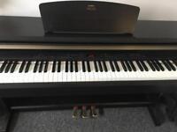 Yamaha Arius keyboard
