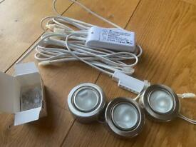 Cabinet Halogen Downlight Kit with 3 light fittings, dimmable transformer and spare bulbs