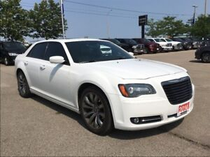 2014 Chrysler 300 S**LEATHER**PANORAMIC SUNROOF**