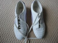 LADIES MOSHULU LEATHER TRAINERS - SIZE 40 (7)