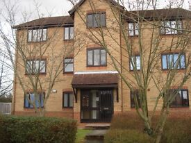 2 bed apartment by Jct 26 M25 - Waltham Abbey