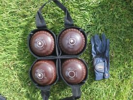 James Taylor 4 ; x; Bowling woods - Size 2 including carry bag and glove
