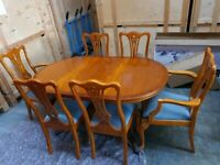 A EXCELLENT QUALITY YEW WOOD 6/8 SEATER EXTENDING DINING TABLE AND 6 CHAIRS FREE LOCAL DELIVERY