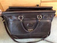 Koy genuine leather holdall