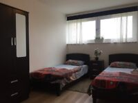 Large Full Twin Room between Putney and Southfields - £100pw per person - READ THE AD FIRST