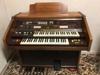 Farfisa Pergamon Electric Organ, excellent condition and in full working order.