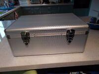 Four CD/DVD Aluminium Flight Case / Storage Carry Box .DJ. 500 disc capacity