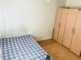 Double room for rent in hayes(07475178848)