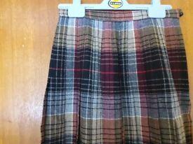 Pure wool skirt