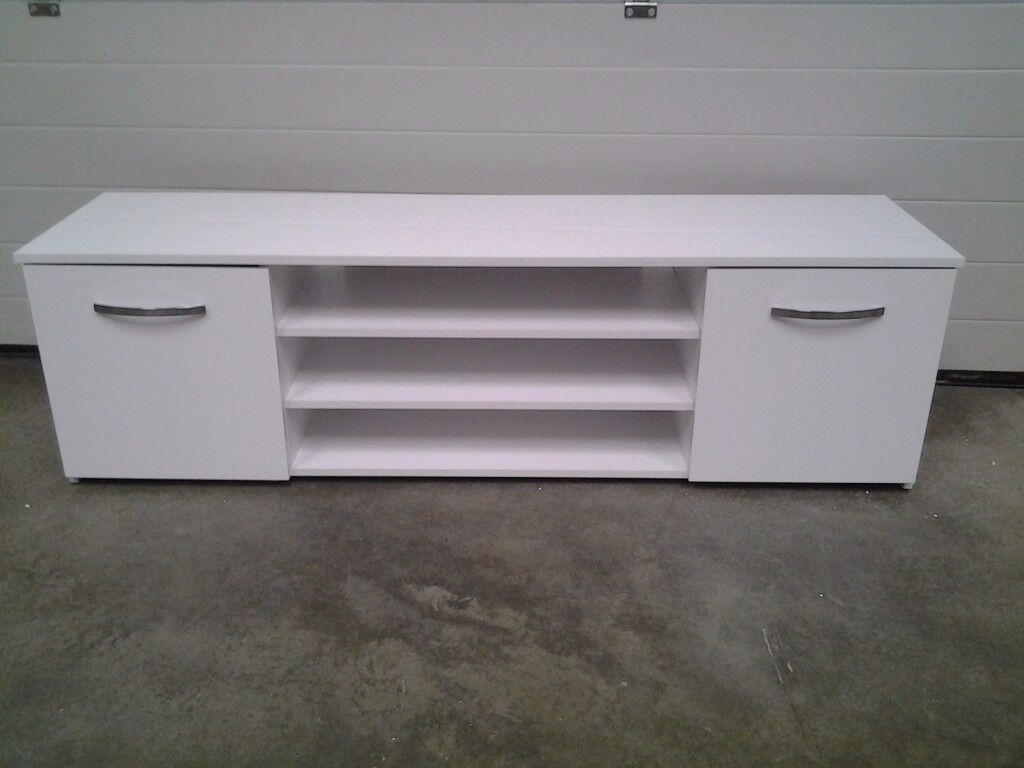 New ( 1 TINY back nick) GLOSS white tv unit / tv cabinet. Bargain, Can deliver.