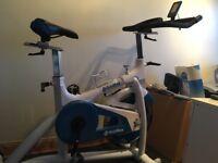 Bodymax spin bike and floor mat like new