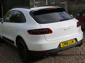 Porsche Macan S Diesel, White, Air suspension, Sports chrono package, Retractable Towbar