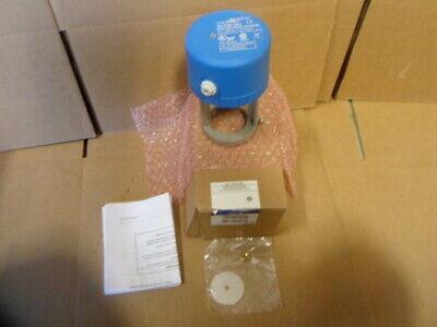 Johnson Controls Va-7152-1001 Actuator With Vg7241et715260 Brass Valvenew