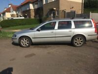 Volvo V70 for sale. For spares and repair.