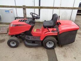 Ride on lawnmower Mountfield 1430 ex condition