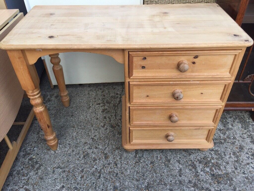 Solid wood Desk / computer table