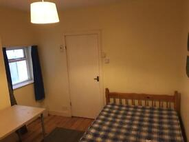 Double bedroom to rent in friendly house in Bishopston