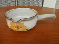 Denby Denbyware Minstrel / Gypsy (yellow) gravy tureen
