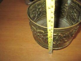 Brass small pot or vase ref-0.196kgb6brass36