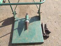 Screw type log splitter tractor pto driven ready for work