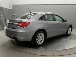 2013 Chrysler 200 TOURING A/C MAGS TOIT OUVRANT West Island Greater Montréal image 5