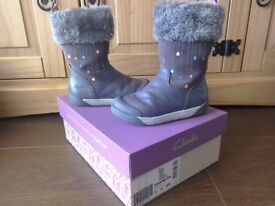 Girls Clark's Boots Size 7F infant WILL POST 'Lilfolk Rae' Boxed. RRP £42.