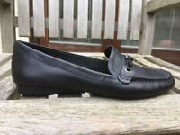 NEW UNUSED Flexisole size 6 black flat shoes