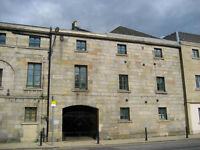 Stylish Warehouse 2 Bed Furnished Flat in Leith w/Excellent Transport Links (Available 1 Oct)