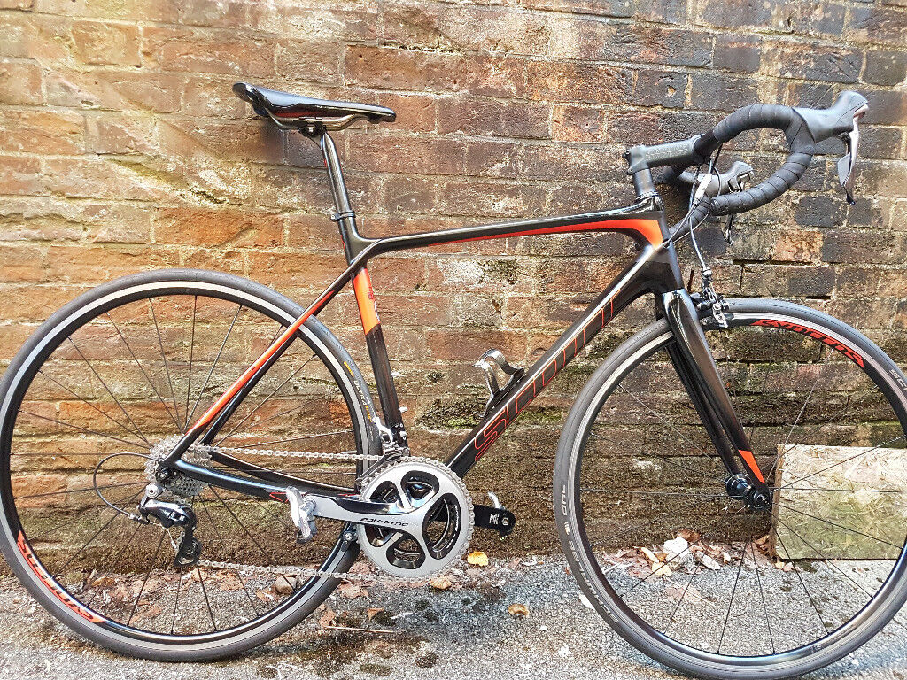 0879b118856 Scott Solace 10 Carbon Road Bike-11 Speed Dura Ace 9000 Groupset–Only  7.15kgs full build - RRP £3599
