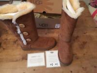 Ugg boots originals Bailey button chestnut size 6