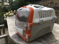 Robust Cat Carrier in great second hand condition