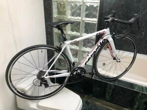 BRAND NEW (SIZE 48cm) CERVELO R2 ROAD BIKE - SHIMANO 105