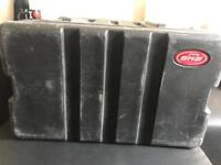 SKB 6u rack case - fair condition