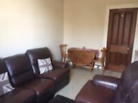 Well Presented Spacious 2 bed flat close to Glasgow University